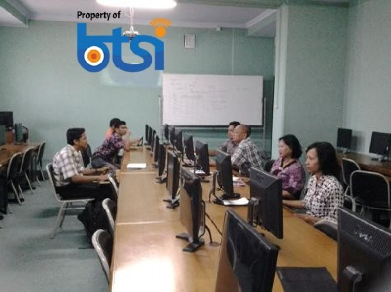 Pelatihan Operator Web untuk FKIP